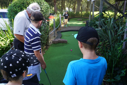 Mini-Golf-Child-Lesson-Sydney